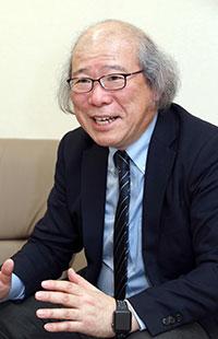 たかせ・としき 1960年生まれ。札幌旭丘高教諭で情報科を担当。同校新聞局顧問。日本新聞協会の「新聞活用の工夫 提案―NIEガイドブック高校編」を執筆。